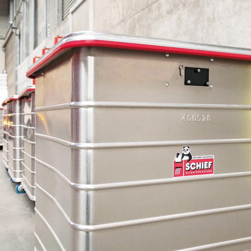 Schief Container